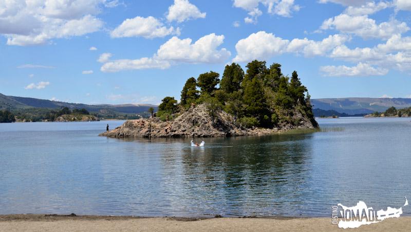 Nadando en el lago Aluminé (Villa Pehuenia) - Aniversario