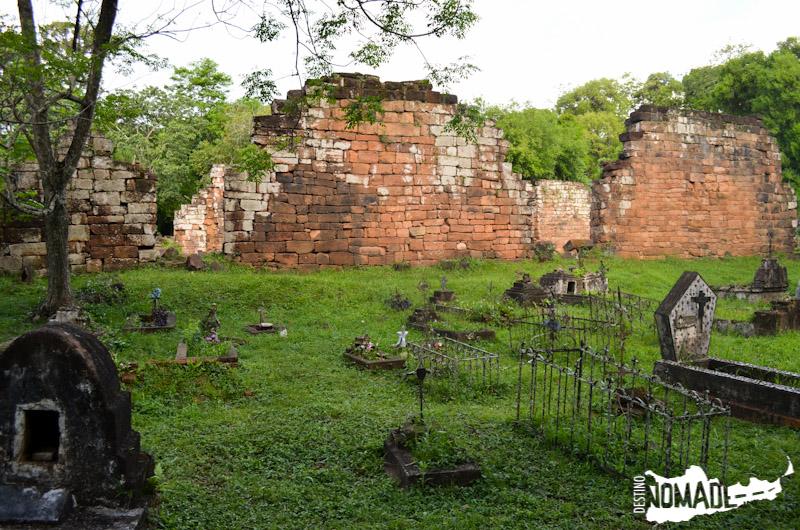 Cementerio en la misión de Santa Ana