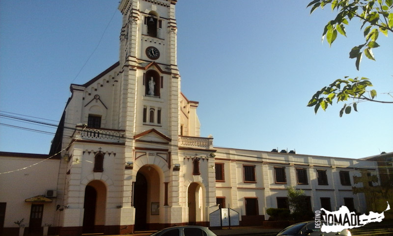 La iglesia de Santo Tomé, también reconstruida.