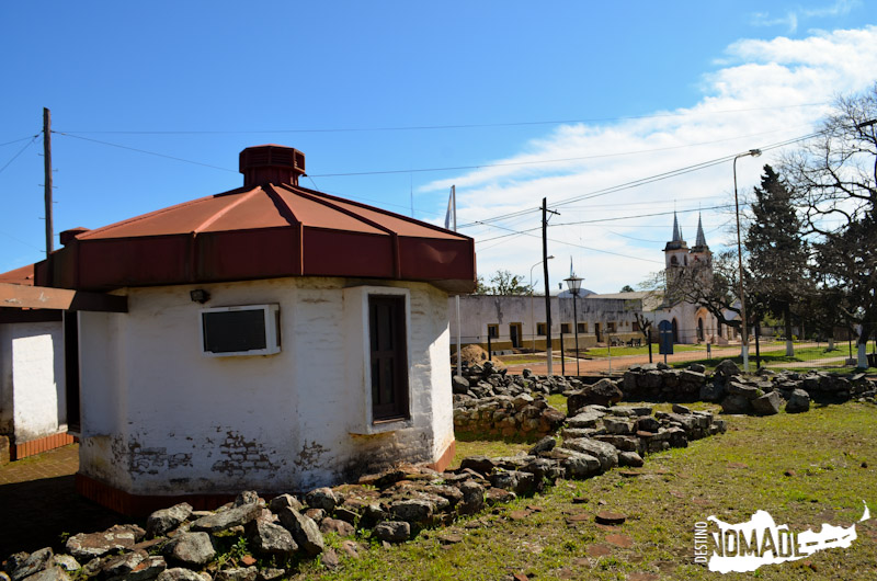 En el caso de Yapeyú, además del museo, los restos están distribuidos en el pueblo.